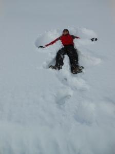 Fazendo o anjo na neve