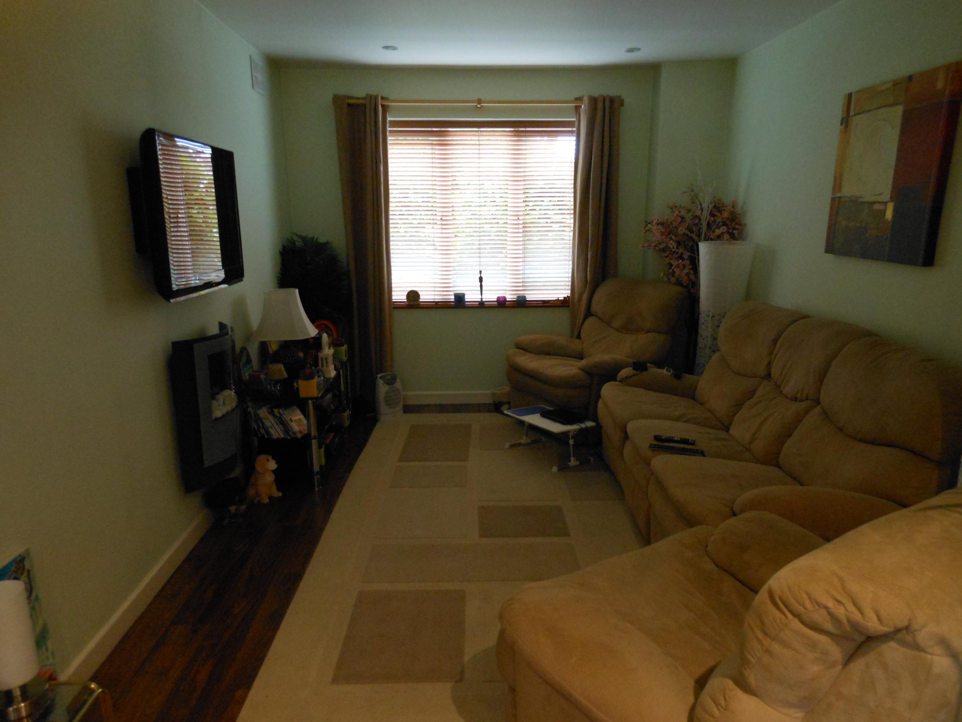 #604A24 Sala de TV 3264x2448 píxeis em Decoração De Sala Simples De Pobre