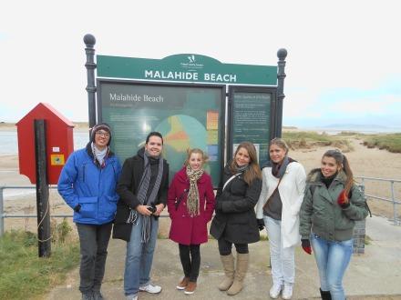 Malahide Beach: cadê o pessoal vendendo cerveja, água de coco, camarão, cachorro quente, a mãe...?