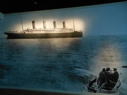Os botes deixando o navio em 14 de abril de 1912